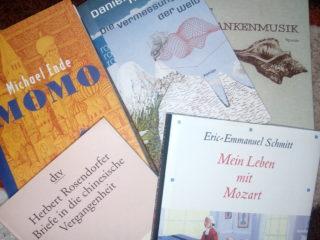 Pět knížek v němčině, kterými si můžete zpestřit letní prázdniny (Mirka Smíšková)