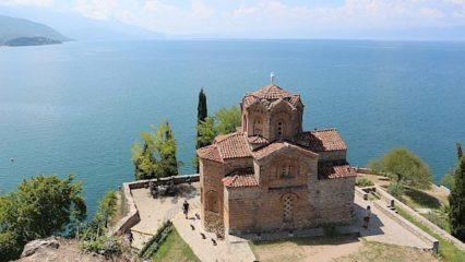 Vychází učebnice makedonštiny